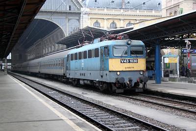 V43 1030 at Budapest Keleti on 1st March 2011 working 520, 0800 Budapest Keleti to Satoraljaujhely