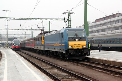 1) 480 001 at Budapest Deli on 28th February 2011 working 852, 0911 Budapest Deli to Keszthely.