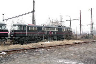 2) Floyd, 0450 003 at Soroksari Ut on 28th February 2011