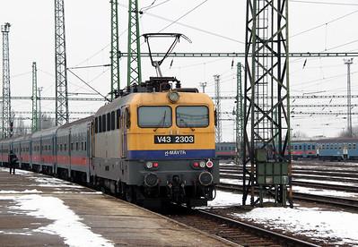 V43 2303 at Szolnok on 1st March 2011 working 3347, 1000 Szolnok to Budapest Keleti