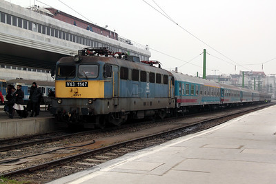 V43 1147 at Budapest Deli pu on 28th February 2011 working 859 to Budapest Deli