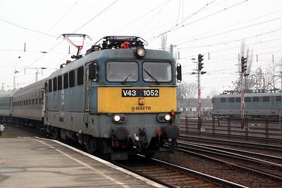 V43 1052 at Miskolc Tiszai on 5th March 2011 working 5322, 0800 Fuzesabony to Hidasnemeti