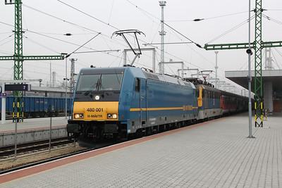 1) 480 001 & V43 3187 at Budapest Kelenfold on 28th February 2011 working 852, 0911 Budapest Deli to Keszthely.