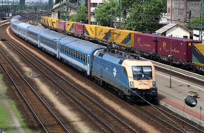 1047 002 at Ferencvaros on 18th June 2004