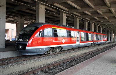 6342 001 at Budapest Nyugati on 18th June 2004