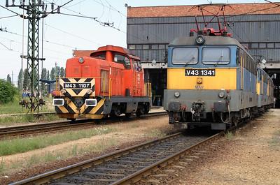 M43 1107 at Ferencvaros Depot on 18th June 2004 (2)