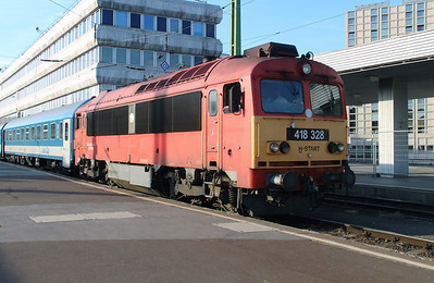 418 328 (92 55 0418 328-4 H-START) at Budapest Deli on 30th June 2014 (1)