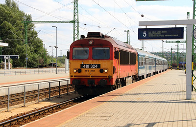 418 324 (92 55 0418 324-3 H-START) at Budapest Kelenfold on 10th July 2015