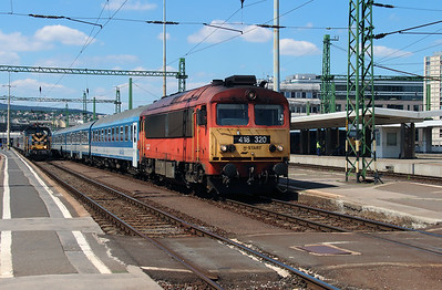 418 32 (92 55 0418 320-1 H-START) at Budapest Deli on 10th July 2015 (2)