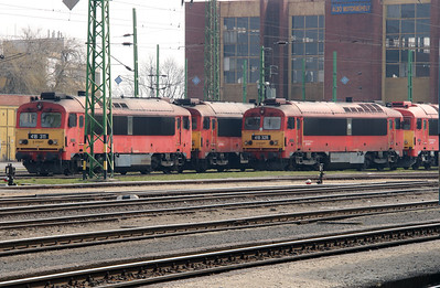 418 311 & 418 328 at Szombathely on 24th March 2015