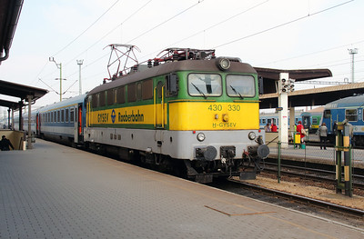 GySEV, 430 330 (91 43 0430 330-0 G-GYSEV) at Szombathely on 24th March 2015 (1)