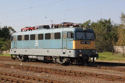 1) V43 1025 at Fuzesabony on 9th October 2010