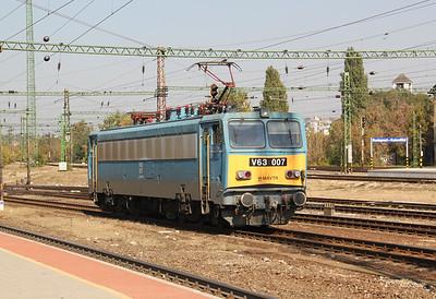 2) V63 007 at Budapest Kelenfold on 11th October 2010