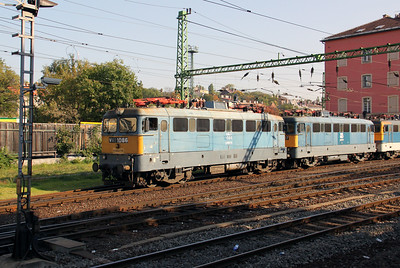 1) V43 1086 at Budapest Deli pu on 11th October 2010