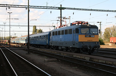 V43 1059 at Kiskunhalas on 9th September 2008