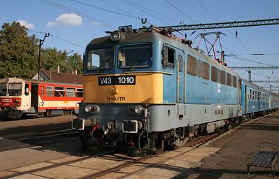 V43 1010 at Kiskunfelegyhaza on 9th September 2008