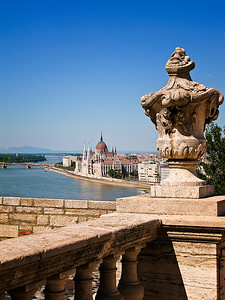 Kemmerer___View from the Palace of the Hungarian Parliament on the Danube