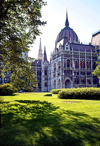 Richards__Hungarian Parliament on the Danube