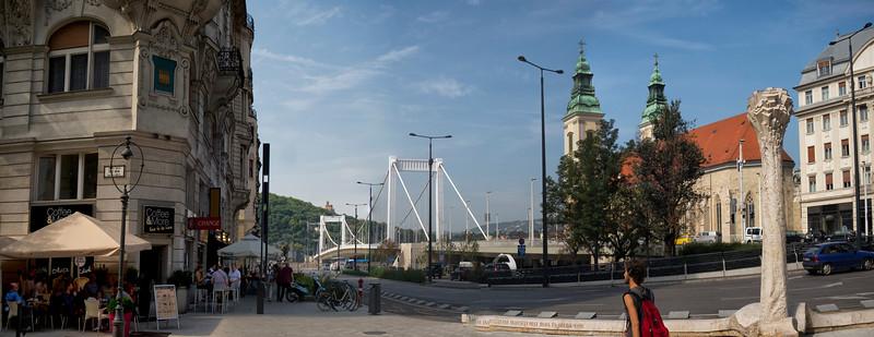 Elisabeth Bridge (Erzsébet híd), Budapest, Hungary