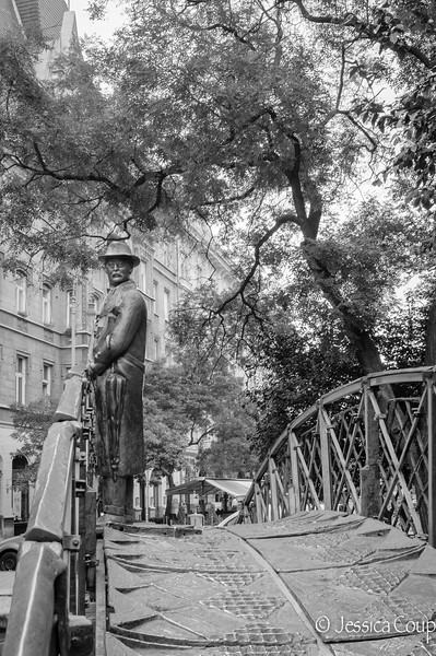 Bridge Statue in the Park