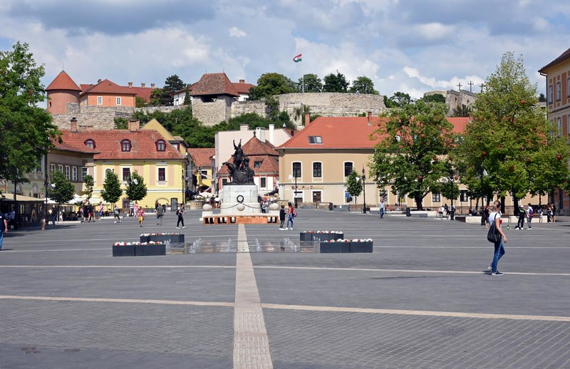 Town square and castle, Eger, Hungary, 8 May 2018
