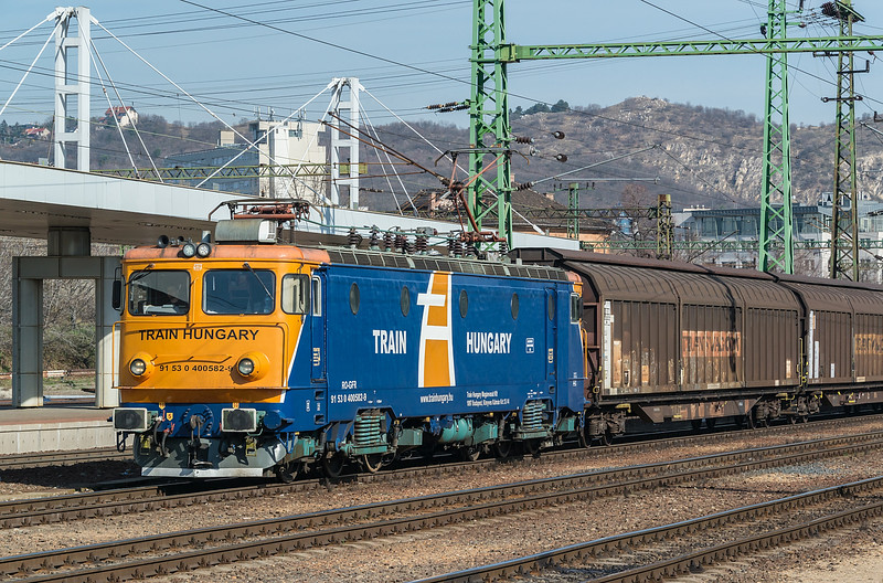 TH 400-582 21 March