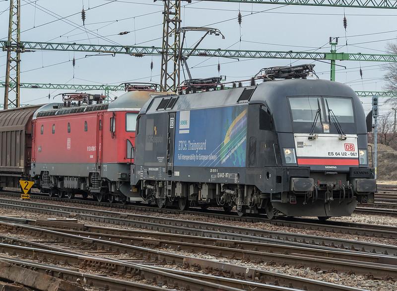 MRCE ES64 U2-067 + DBRO 478-001 19 March