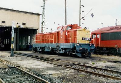 M40 232 at Komarom Depot on 15th May 2002