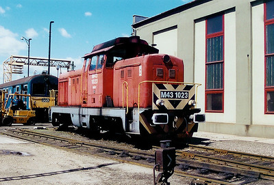 M43 1023 at Gyor Depot on 15th May 2002