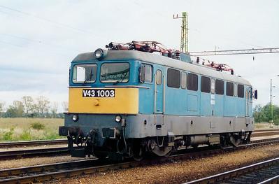V43 1003 at Boba on 8th October 2003