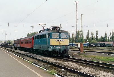 V43 1070 at Pecs on 6th October 2003