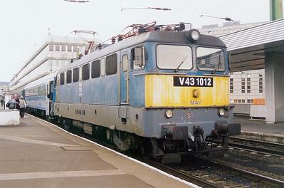 V43 1012 at Budapest Deli pu on 6th October 2003