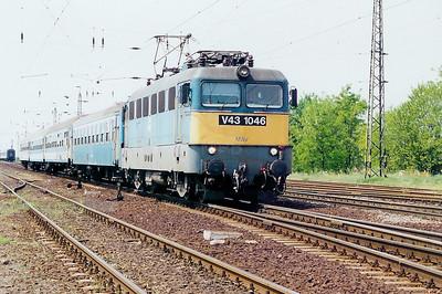 V43 1046 at Kal Kapolna on 13th May 2002