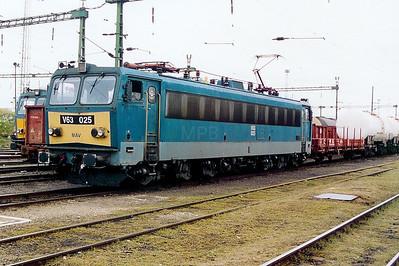 V63 025 at Szekesfehervar on 8th October 2003