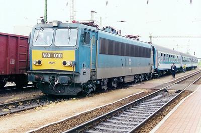 V63 010 at Balatonszentgyorgy on 12th May 2002