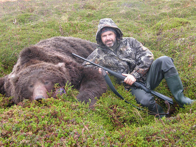 This Spanish hunter took this 9 foot 8 inch bear when hunting in a fall Brown Bear season from Bear Lake Lodge on the Alaskan peninsula. Guided by Don Anderson. Hunts are offered exclusively through Anderson Taxidermy & Guide Service, Inc. Contact Don Anderson to inquire about booking your hunt for the new year ahead. www.thehuntpro.com
