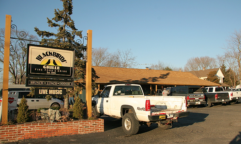 2/3/2007<br /> <br /> Today I went to a game dinner hosted by Jason Little and Corey Black at Blackbirds restaurant in Sayville on the corner of Broadway and Montauk Highway.  It is a great place to eat and all the hunting community was there.  It was a lot of fun.