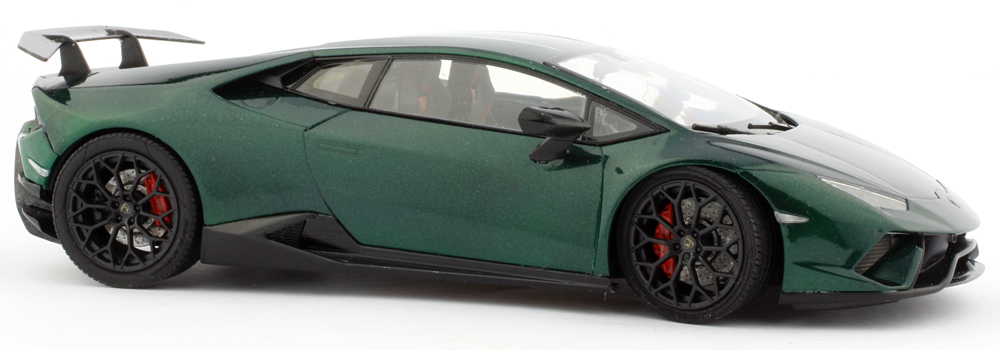 performante-low-right-side.jpg