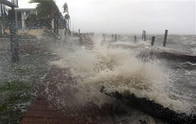 Hurricane Matthew slams Florida