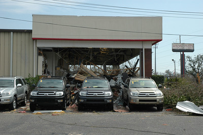 side view of the Toyota store showroom