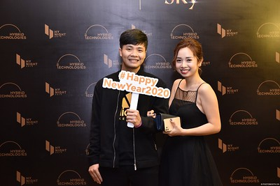 Hybrid-Technologies-year-end-party-instant-print-photo-booth-in-Hanoi-Chup-hinh-lay-ngay-Tat-nien-WefieBox-Photobooth-Hanoi-60