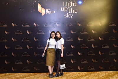 Hybrid-Technologies-year-end-party-instant-print-photo-booth-in-Hanoi-Chup-hinh-lay-ngay-Tat-nien-WefieBox-Photobooth-Hanoi-75