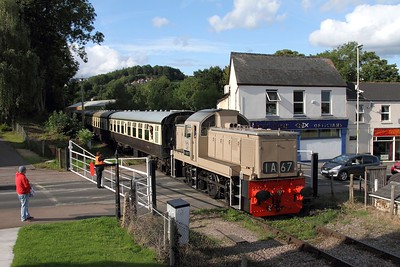 D9537 1625 Parkend to Lydney junction at Lydney on the 4th September 2015