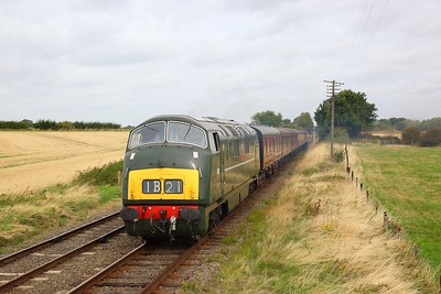 D832 passes Woodthorpe on  the Great Central Railway working what would have been the 1B21 London Paddington to Bristol during an ERMPS Photo charter on the 10th September 2018