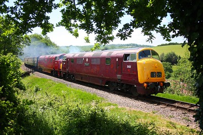 D832+D821 accelerate through Nethercott with the 1300 Bishops Lydeard to Minehead at Nethercott on the 10th June 2009