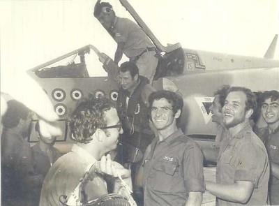 ישראל בהרב חוזר מטיסה על מירז 59