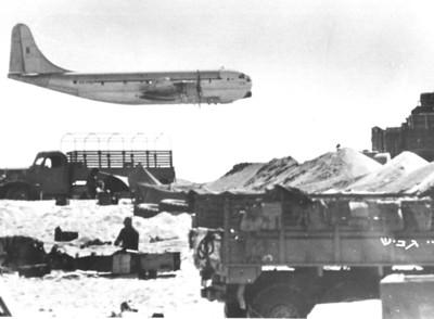 מטוס סטרטוקרוזר בדרך לרפידים