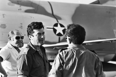 """הגעת מטוסי הקורנס (הצפרדעים) במהלך מלחמת יו""""כ"""