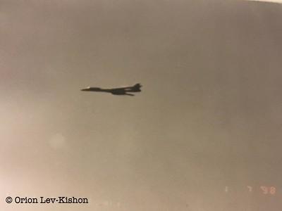 """המפציץ האמריקני B1 שהגיע בטיסה ישירה מארה""""ב. קרדיט: אוריון לב קישון."""