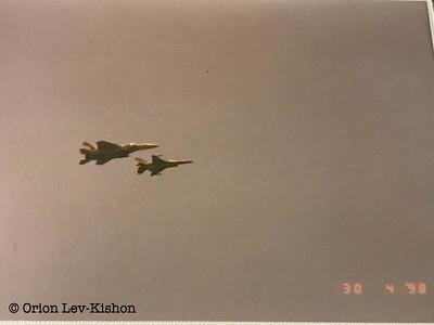 מטוס ברק לצד מטוס רעם. קרדיט: אוריון לב קישון.